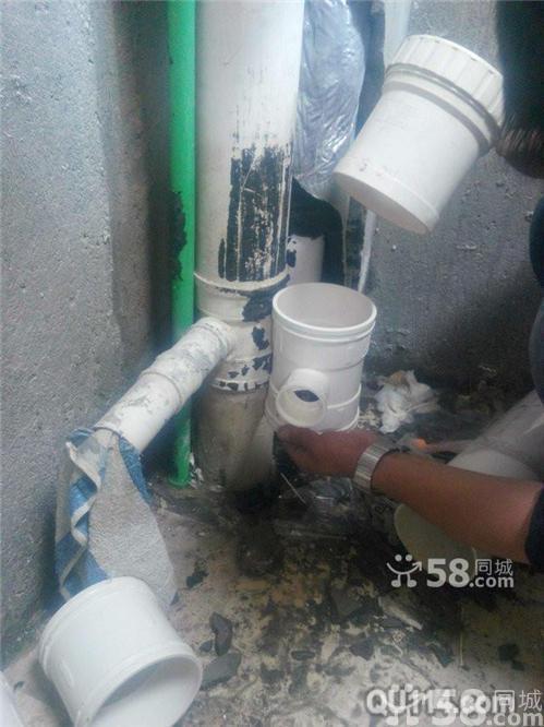 九江冷热水龙头维修更换,水管维修,角阀断裂漏水维修图片