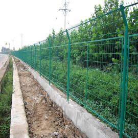 供应高速护栏网顶部30°折弯 边框式公路护栏网