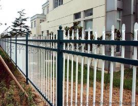 为您推荐兴博丝网厂区庭院围栏、院墙围栏网 喷塑金属方管锌钢护栏网