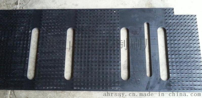 老牌毛刷厂家专业生产板刷、皮带刷
