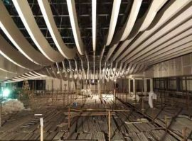 生態木紋鋁方通吊頂 德普龍天花推廣綠色建材提升裝飾能效