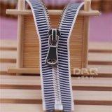 大器拉链DAQ:欧标单肩包拉链,皮箱金属拉链定做