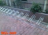南宁最新款式的桂丰自行车停车架,卡位式停靠架