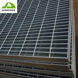 直销热镀锌钢格板齿形高防滑排水地沟盖不锈钢格栅板