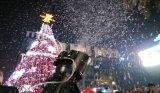 廣州慶典特效雪花機租賃|廣州專業大型雪花機出租|下雪場景制作服務價