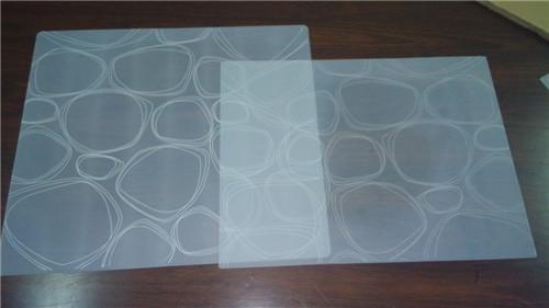 东莞源康硅胶专业生产硅胶餐垫,隔热垫 、杯垫、防滑垫、等都可订做打样