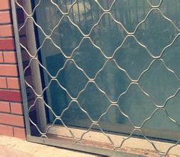 生產供應陽臺窗戶防盜網,窗戶防盜金屬網廠家