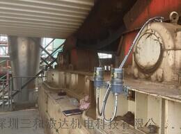 链条定时定量自动润滑器,双轴加湿搅拌机自动加脂器