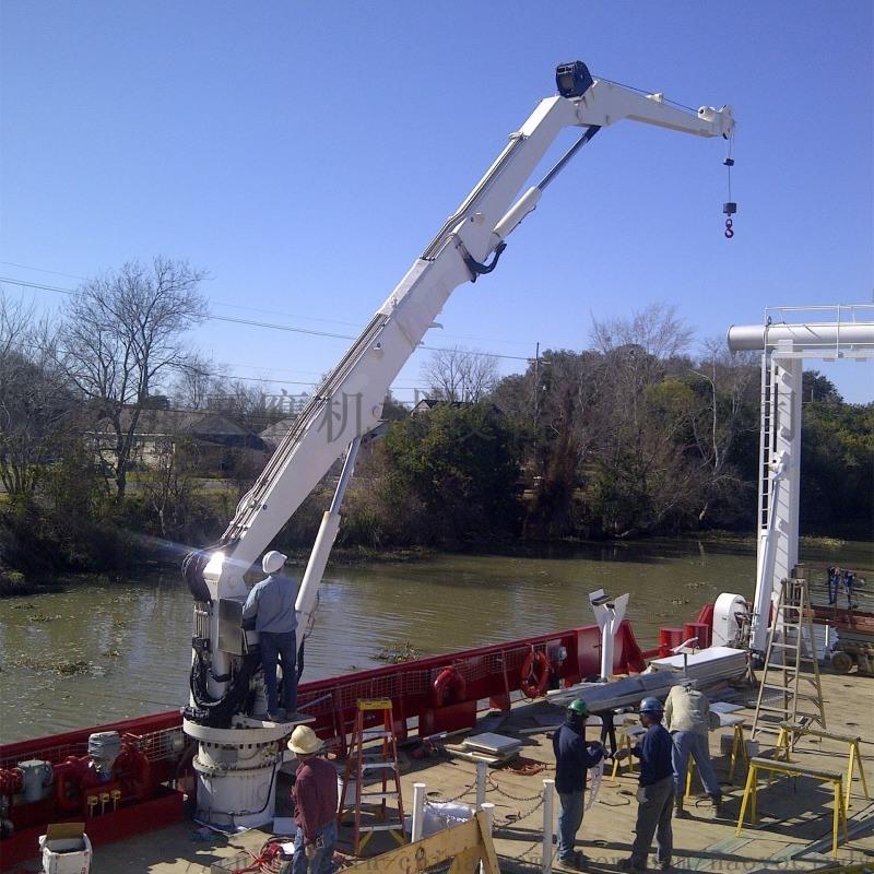 安装摺臂船用液压海上起重机图片