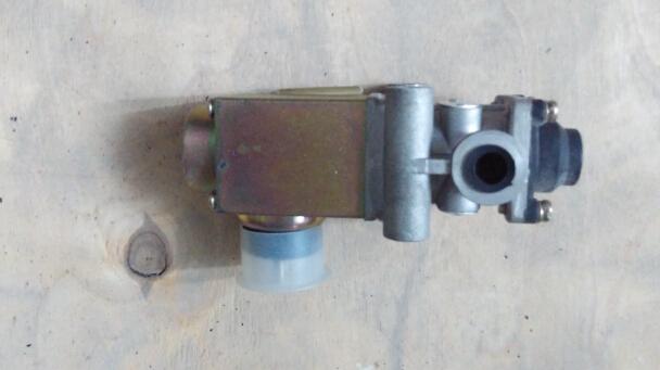 奔驰benz电磁阀500005186/4460001016/98465149/79100580415/1170242图片