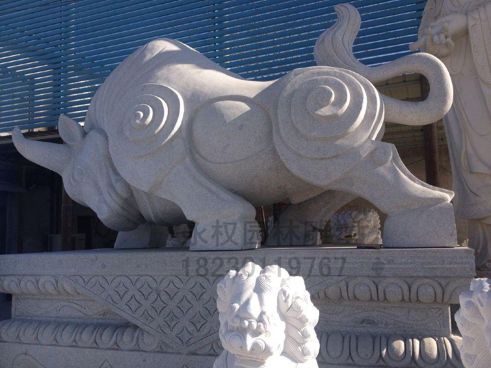 动物雕塑 石雕牛像 青石石材牛雕塑图片