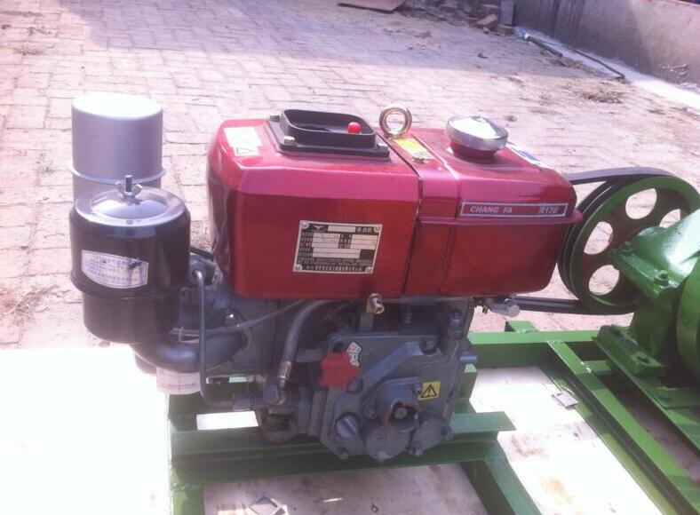 柴油起重机,柴油小型吊机,柴油液压小型吊运机,柴油吊机图片