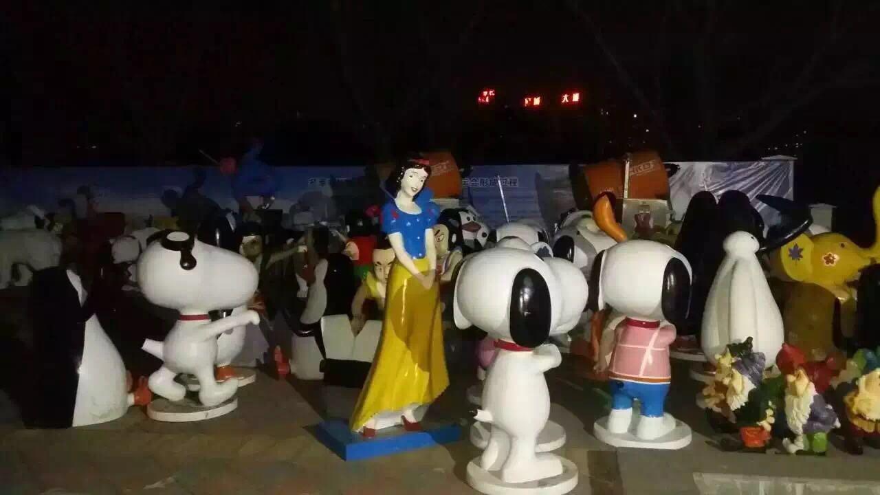 其余还有哆啦a梦模型出租,小黄人模型出租,疯狂动物城模型出租,复仇者