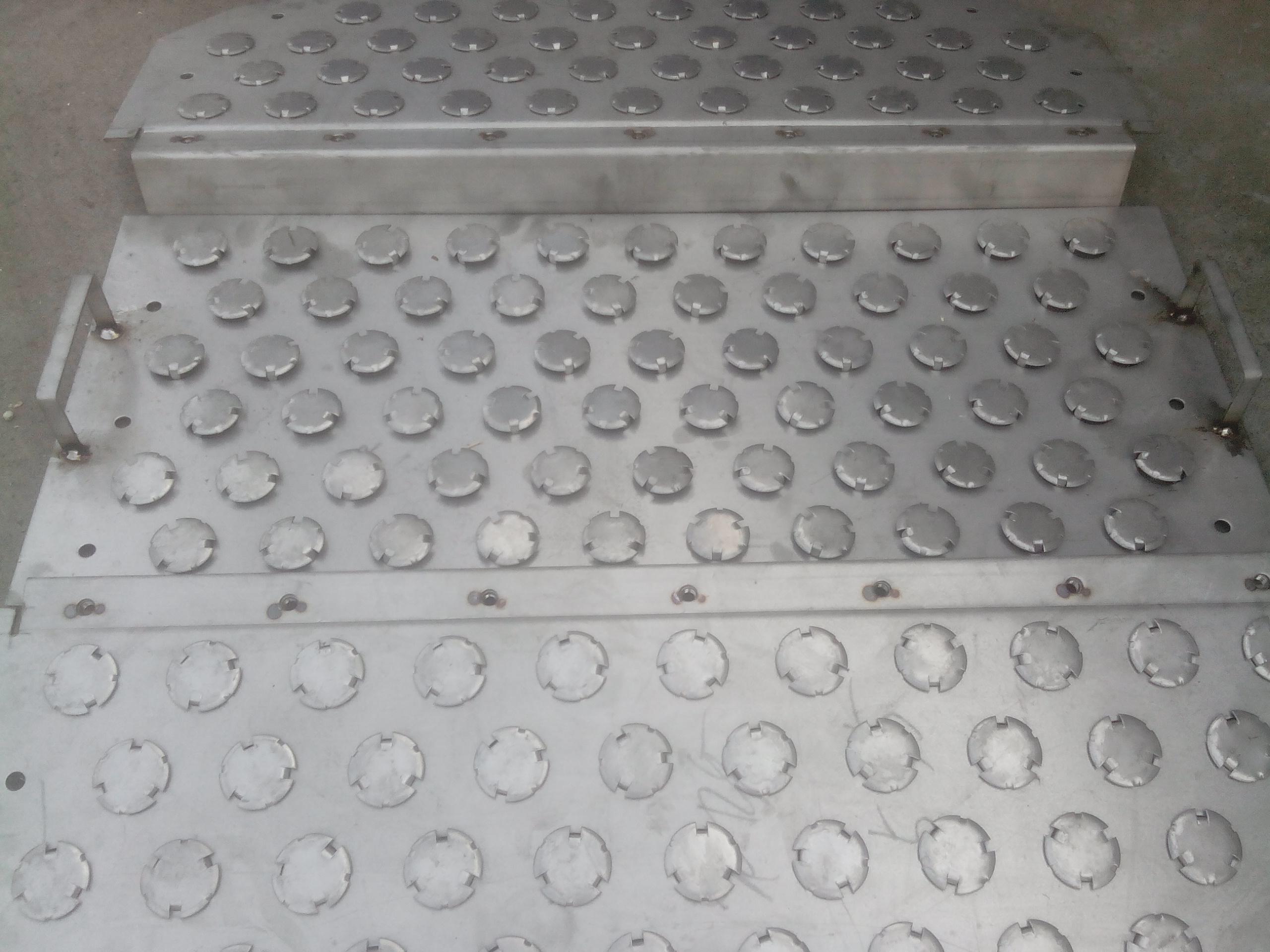 萍乡科隆塔内件-不锈钢浮阀塔板图片
