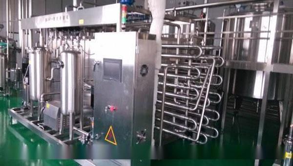 鲜奶生产设备(酸奶灌装机、巴氏奶生产线、乳美国小鹿af图片