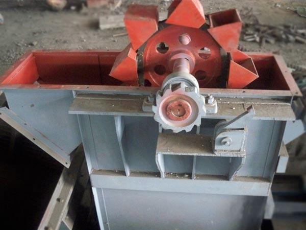 产品目录 工业设备及组件 链条和传送设备 提升机 > 水泥斗式提升机图片
