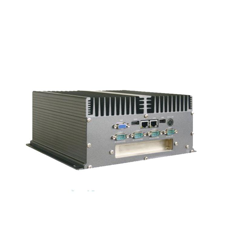 嵌入式工控机 用户打开机箱侧盖便可轻松维护Cfast/HDD/Mini-PCIe部件