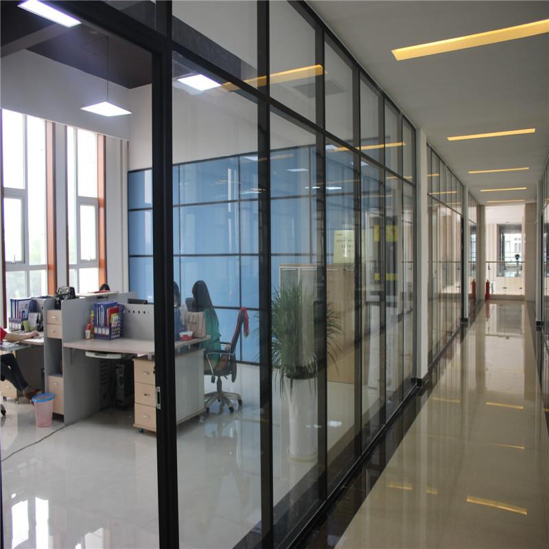 玻璃隔断的边框除了传统的不锈钢