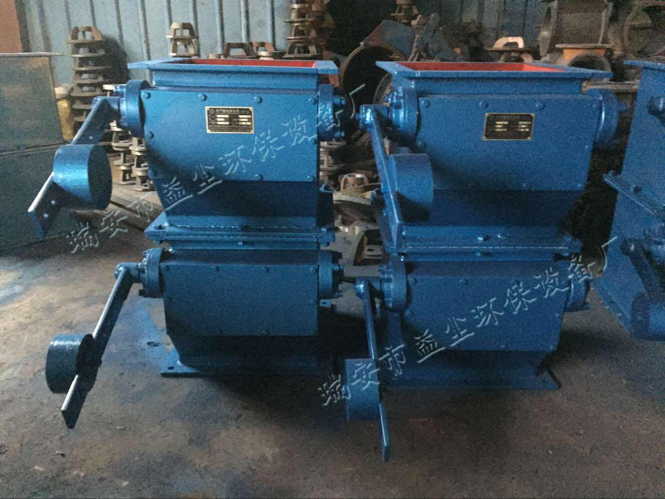 03 zsxf-ii重锤双层翻板卸料阀   结构特点及用途:    电动单/双层图片