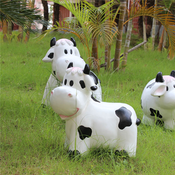 深圳欧泰斯艺术雕塑玻璃钢树脂工艺品厂家定制卡通动物奶牛