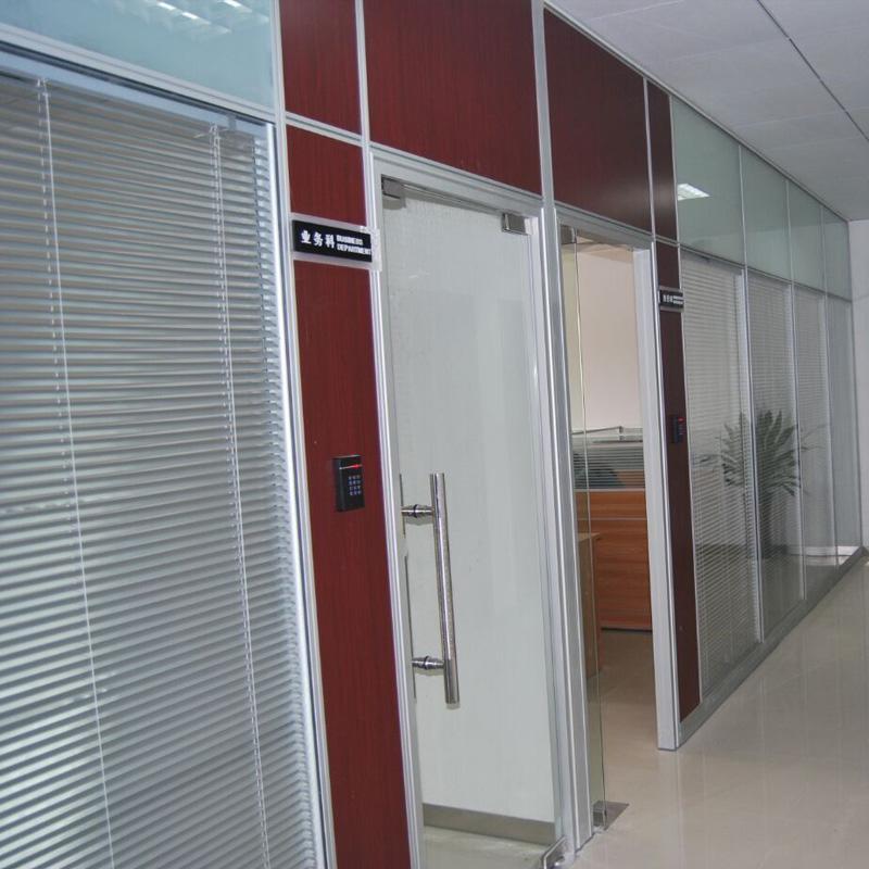 佛山办公隔断定制玻璃高隔断双玻百叶隔断墙图片