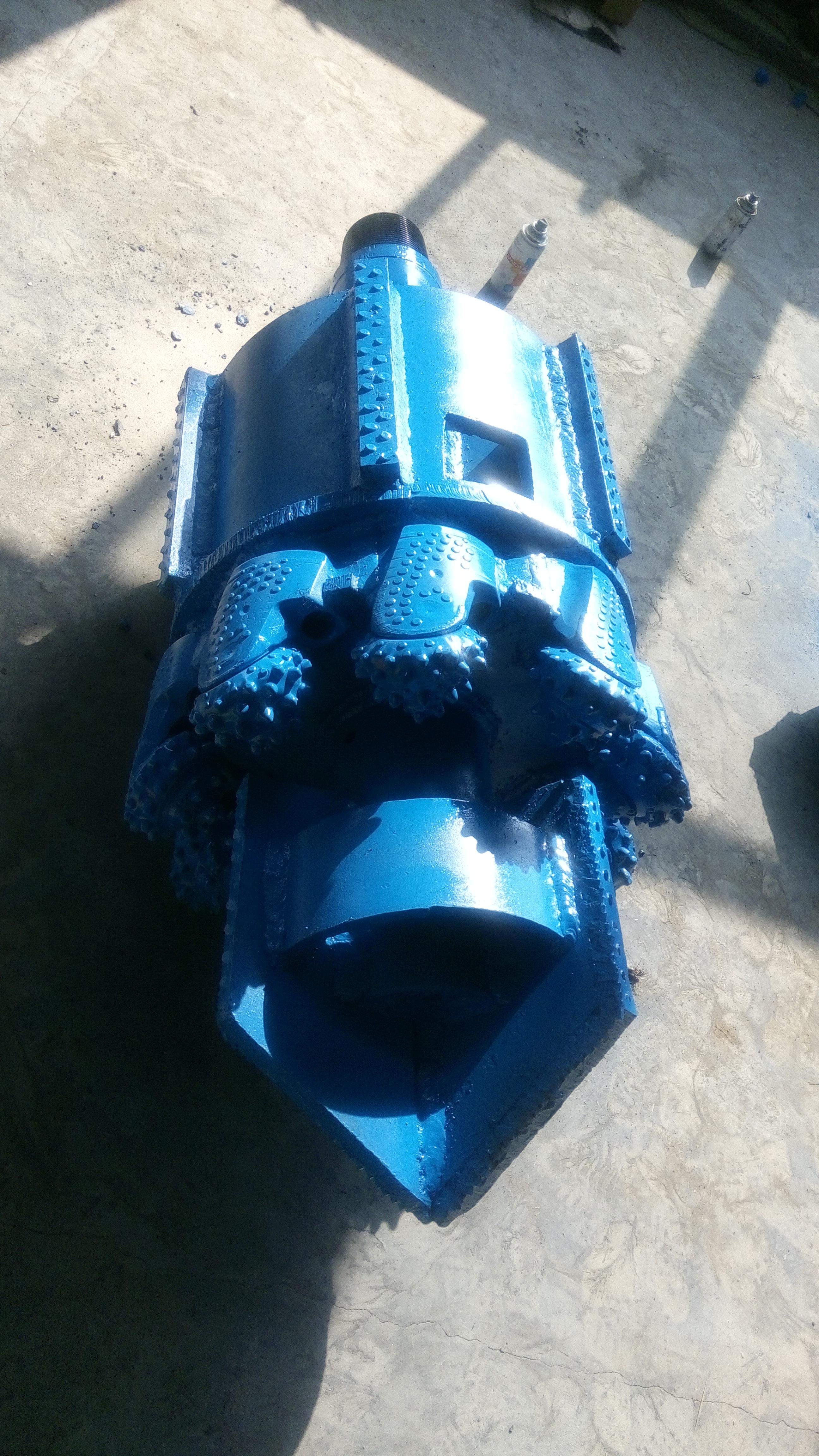 销售各种型号尺寸水井牙轮组装钻头