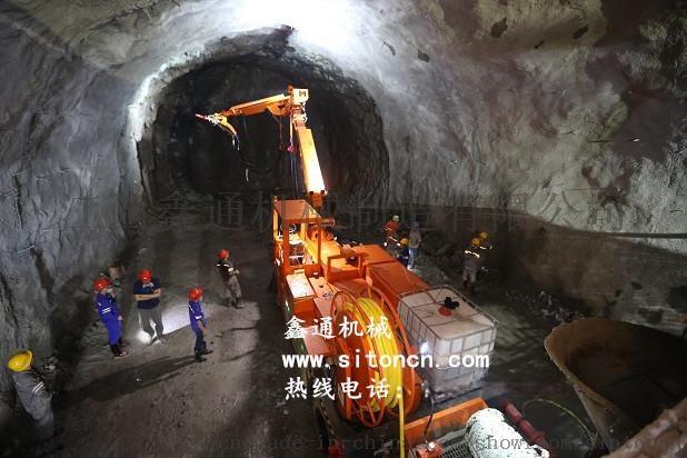 5,隧道水沟电缆槽--水沟电缆槽台车施工.图片