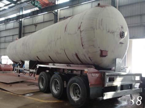 液化石油气罐式运输半挂车,lpg槽罐车图片