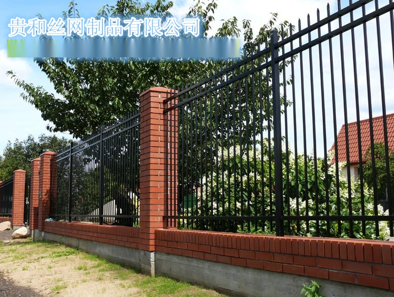 供应小区交通锌钢铁艺护栏网栅栏隔离珊欧式护栏美式护栏公园草坪护栏图片