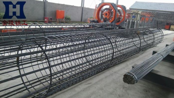 钢筋笼照片_钻孔灌注桩钢筋笼主筋直径20mm,采用绑扎搭接并单面焊接。请问 ...