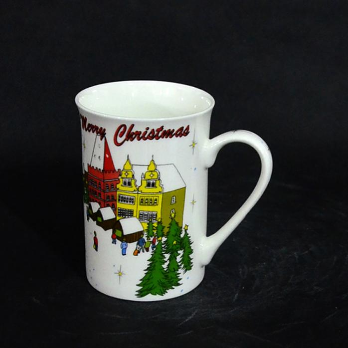 批发 正品创意手绘圣诞房子陶瓷杯子 马克杯 大容量办公用杯