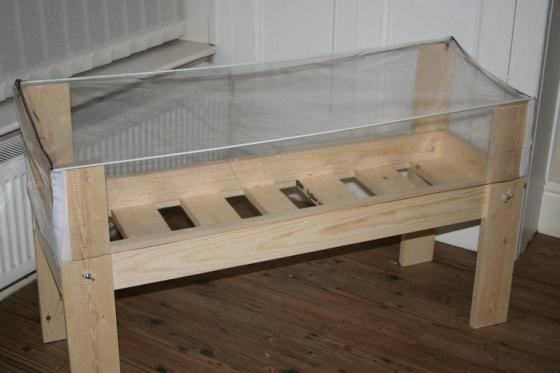 婴儿木床架