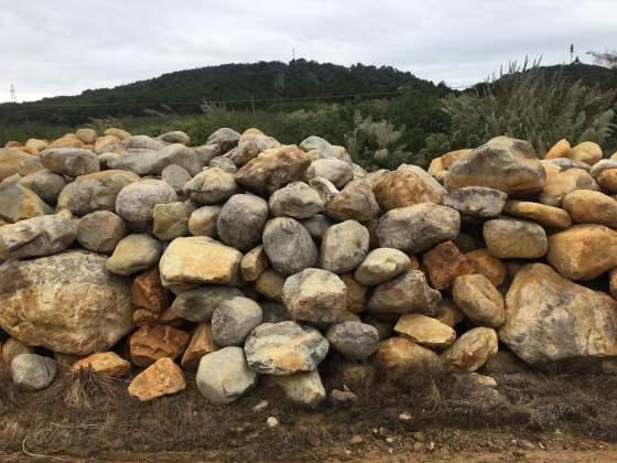 黄蜡石 驳岸石黄蜡石 广东黄蜡石 广东园林景观石 黄水石 广东黄石 吨