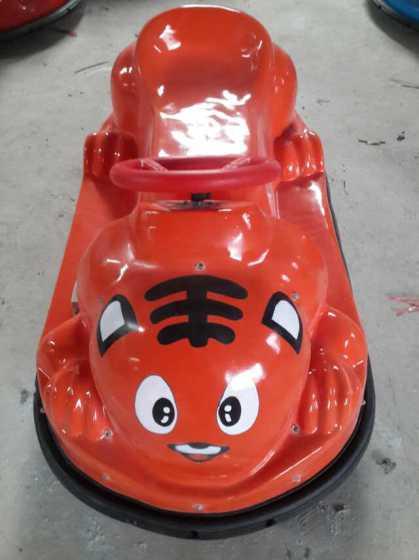 苹果电瓶车碰碰玩具车儿童游乐广场最设备上新品拉丝手机壳图片