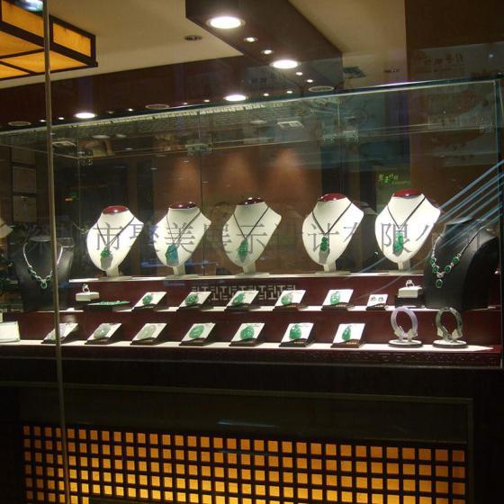 珠宝首饰橱窗展示道具 翡翠道具 珠宝首饰展示道具 设计定制图片