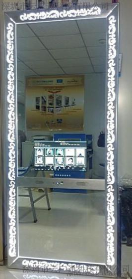 消费电子 显示器材 广告机 云广通智能美容美发镜台  产品属性: 类型图片