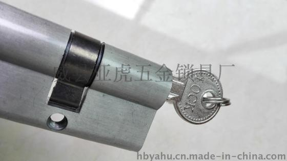 60mm铝合金执手锁锁芯