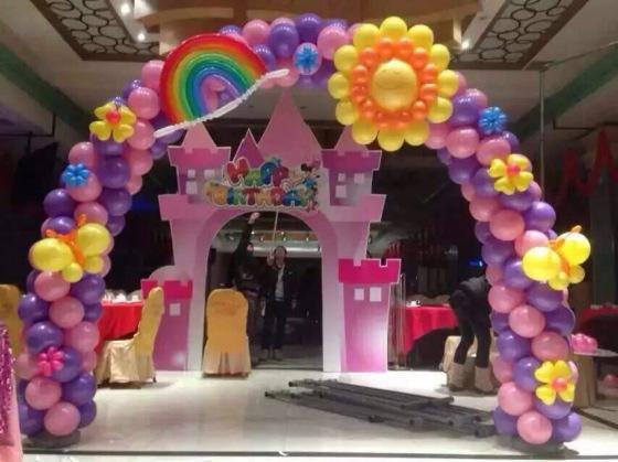 清远市小熊气球工作室,清远舞台气球布置,清远开业气球布置,清远春节
