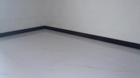 6厘米铝合金踢脚线图片,6厘米铝合金踢脚线高清图片图片