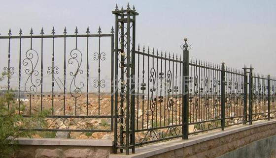 室外欧式铁艺围栏图片
