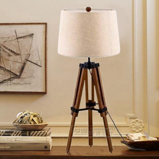 美式乡村 书房书桌台灯 简约 三角架木头 装饰台灯 法式可伸缩实木图片