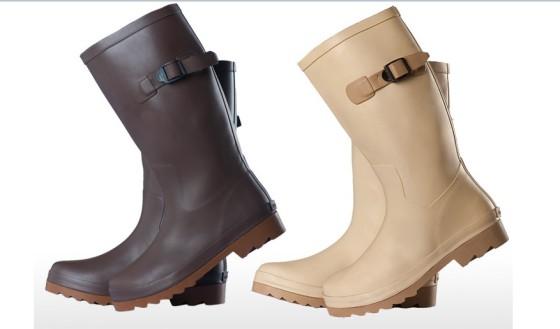 什么样的衣服昺j�_服装饰件 鞋类 雨鞋 时尚橡胶雨鞋  产品属性: 鞋帮材质:橡胶|内衬