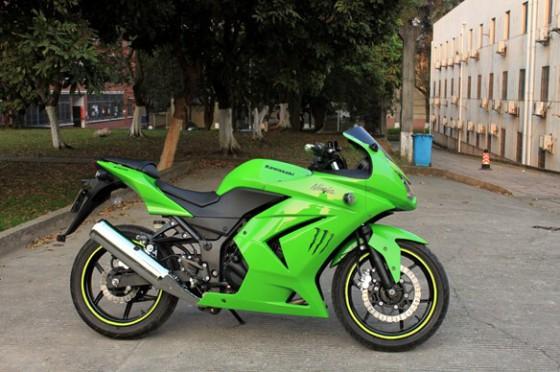 供应川崎250摩托车跑车小忍者250多少钱