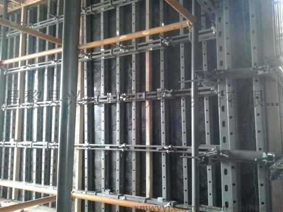 代替木方钢管剪力墙模板支撑