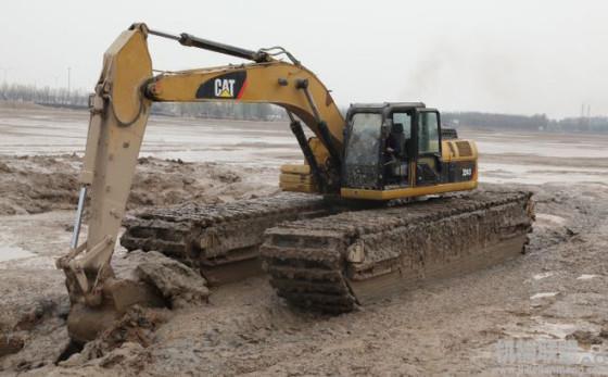 产品属性: 传动方式:液压|产品类型:全新|用途:船用挖掘机|铲斗:抓铲