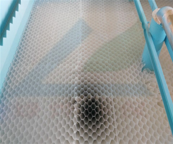 蜂窝斜管安装于新飞纸厂废水处理项目