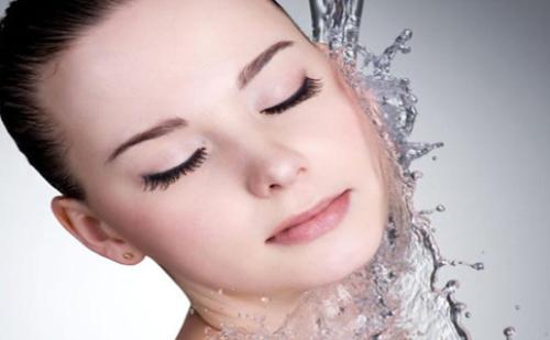 如何快速解决肌肤干渴问题