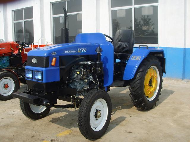 拖拉机 ty250