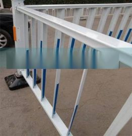 仿木頭色塑鋼欄柵/PVC木紋色塑鋼欄杆欄柵/幼兒園房護欄籬笆