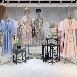 深圳品牌折扣女装顺子圆领套头修身拼色连衣裙视频看货